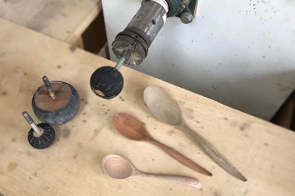 工具とスプーン